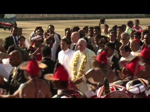 Papa in Sri Lanka chiede rispetto diritti umani - Nude News