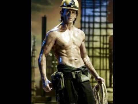 15 Hot Bollywood Actors DON'T MISS!!