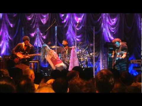 Joss Stone - Super Duper Love (Digging On Me) Live