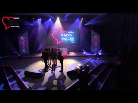 G�l�en feat Ozan �olako�lu Yatcaz Kalkcaz Pembe Gece Performans