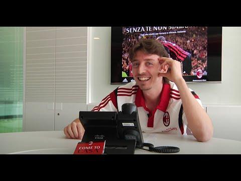 Montolivo e una telefonata speciale! | AC Milan Official