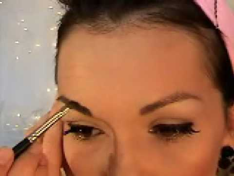 How To Do Pin-Up Girl Make-Up ( Bettie Page  or Dita Von Teese )