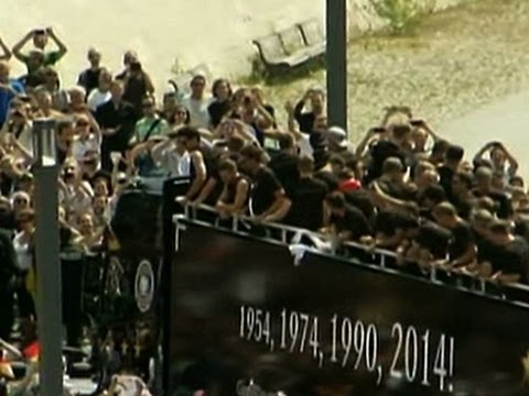Raw: Germany's Parade for World Cup Champions