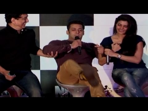 Salman Khan NARROWLY ESCAPES FALLING on STAGE