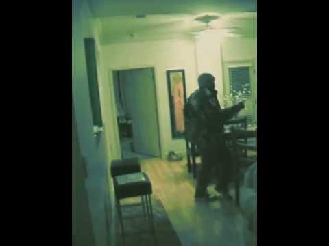 Jay-Z & KanYe West - Niggas In Paris (Home Movies)