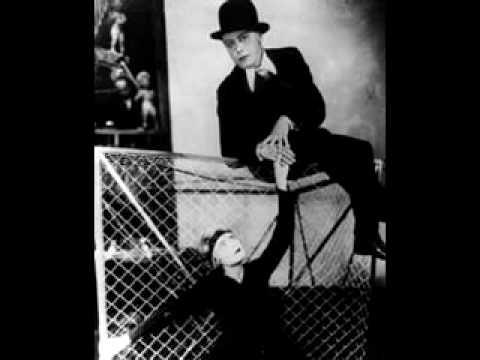 Bertolt Brecht - Moritat Von Mackie Messer