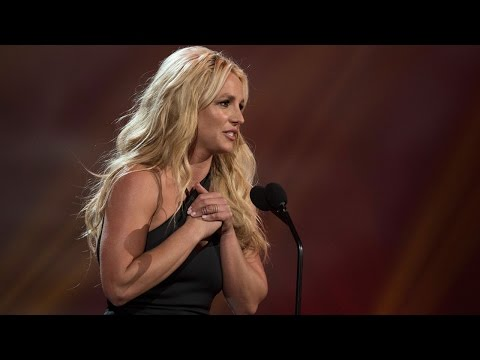 Jamie Lynn Surprises Sister Britney Spears During Performance at Radio Disney Music Awards