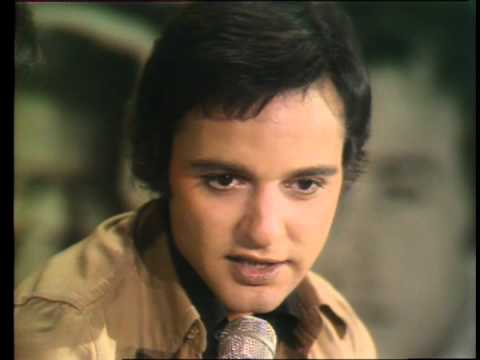 Dick Clark interviews Sal Mineo on the TV series The Rock N Roll Years in 1974. They discuss the effect the film Rebel Without A Cause had on teenagers.