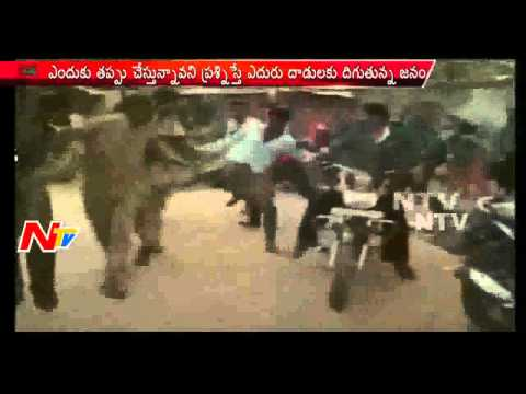 Rioters attack police in Andhra Pradesh