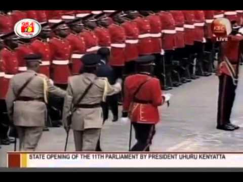 President Uhuru Kenyatta inspects his first Guard of Honour