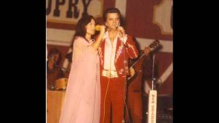 Watch Conway Twitty Dont Mess Up A Good Thing video