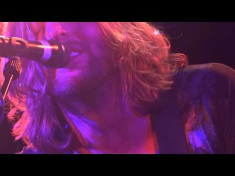 ANDY BURROWS 03/04/2013 Düsseldorf: Hometown / Hearts & Minds & America