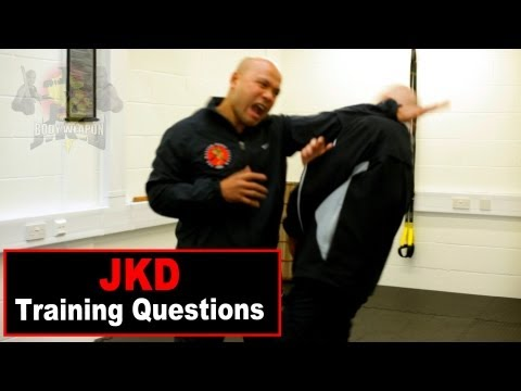 jkd techniques - attack with elbow Q2 Image 1