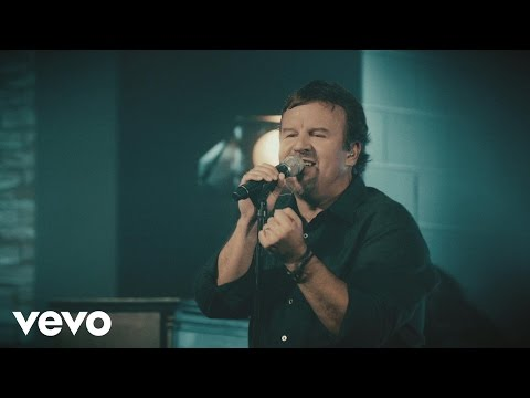 Casting Crowns - Just Be Held (Live) (Live)