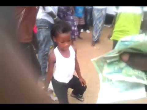 Fitini Le Createur En Mode Kuitata Avec Une Petite Danseuse Lâh By Djbocande video