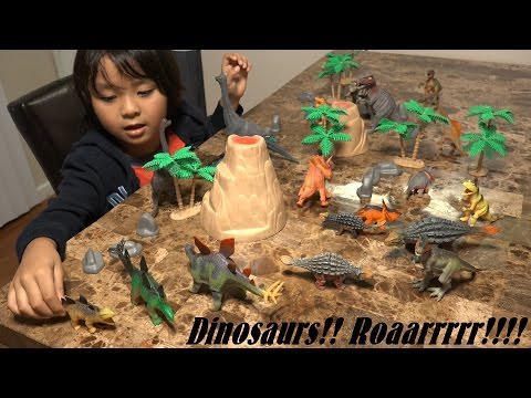 Prehistoric Dinosaur Toys: 20 Dinosaurs In A Plastic Container Unboxing :-) video