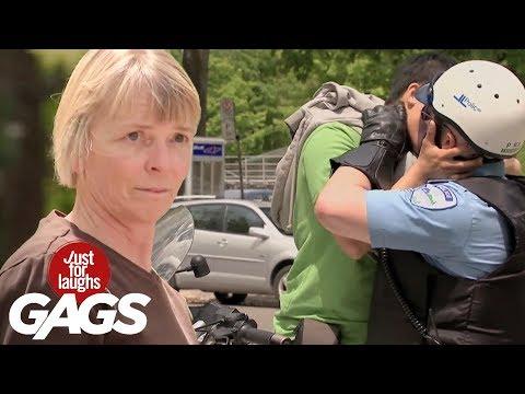 Mejores Bromas -  Beso Sexy Gay Entre Turista Y Policía video