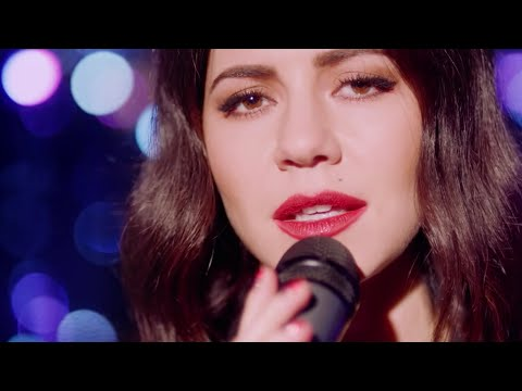 "MARINA AND THE DIAMONDS | ""HAPPY"" ACOUSTIC BAND VIDEO"