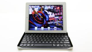 Logitech Keyboard Case for iPad 2 Unboxing & Overview