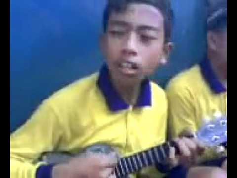 Indra Cynk Cmua- Punk Rock SMP KARYA BHAKTI.mp4