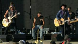 Big & Rich :: 8th Of November - Live from Winstock 2016