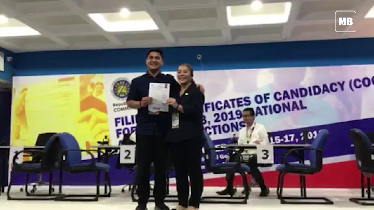 Broadcaster Jiggy Manicad arrives to file CoC for senator