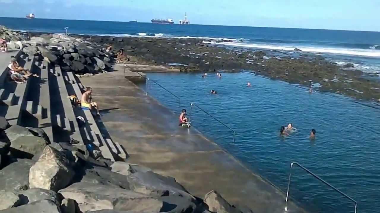 Vista panoramica de las piscinas de playa la laja youtube for Piscinas naturales las palmas