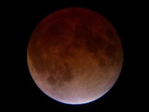 !TOTAL LUNAR ECLIPSE 2011! (How To Make A Solar Eclipse Viewer) SCIENCE EXPERIMENT