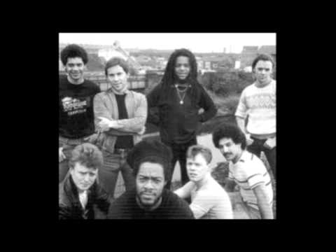 Ub40 - Hit It