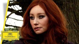 Watch Tori Amos Nautical Twilight video