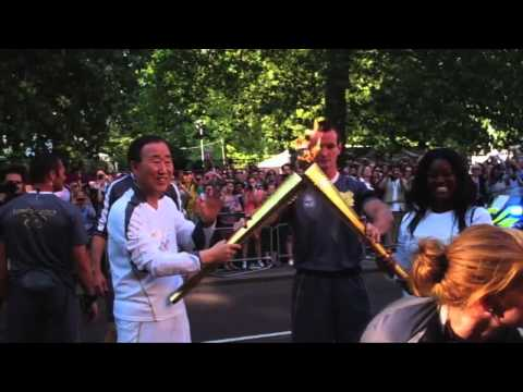 UN Secretary-General Takes Part in London Summer Olympics Torch Run