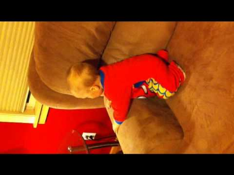 Baby Twerking to Bubble Butt!