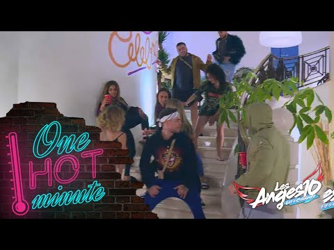 Les Anges 10 - Session booty-shake à la villa ! #épisode 72 thumbnail