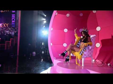 Miranda Kerr – Victoria's Secret Runway Compilation HD