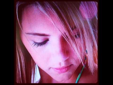 Pluche - Ashlynn Brooke video