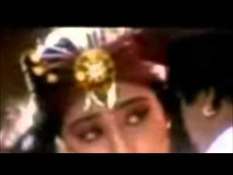 Meena Lip Kiss video