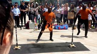 FUNNY STREET PERFORMANCE IN HULL