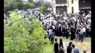 حمله یک بسیجی با ماشین به مردم basiji iran tehran shotting c.flv