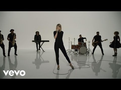 download lagu Taylor Swift - Shake It Off Outtakes  #7 - The Band, The Fans And The Extras gratis