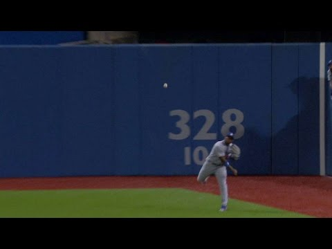 Puig makes perfect throw to second for out