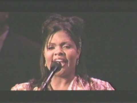Cece Winans - Alabaster Box (live) video