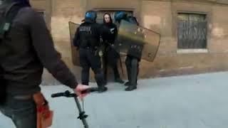 Acte 15  gilets jaunes violences policières pendant un contrôle de CRS