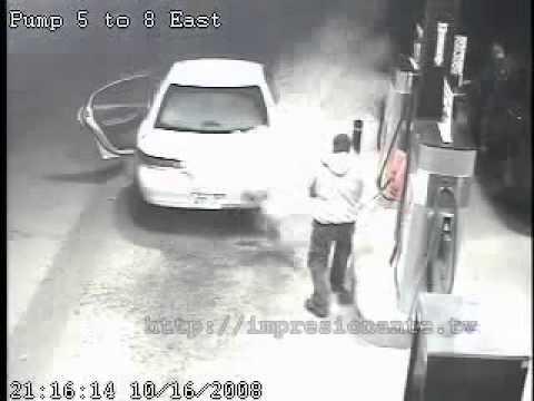 Incendio gasolinera por un cigarro