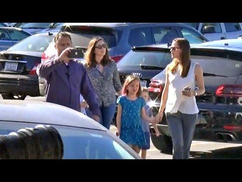 Jennifer Garner Hires Bodyguard And New Nanny After Divorce Drama