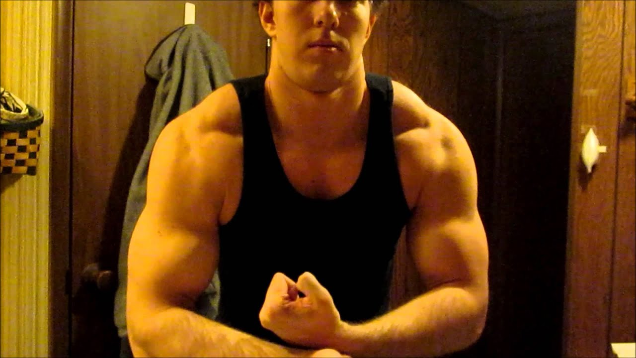flexing arms 184lbs 17 inch arms when pumped youtube