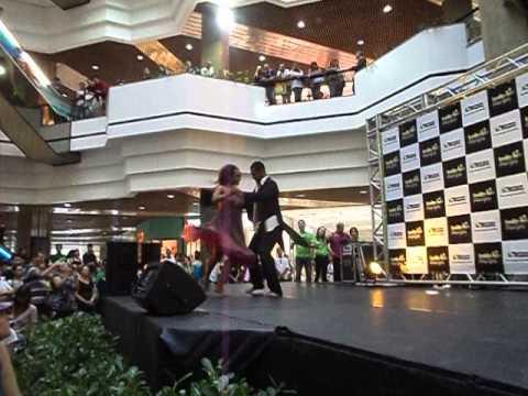 Bolero com James Batista e Andréia Zaida no Shopping Beiramar