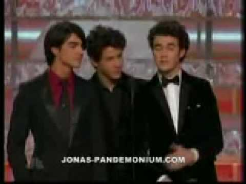Jonas Brothers presenting at the 2009 Golden Globe Awards [HD] Video