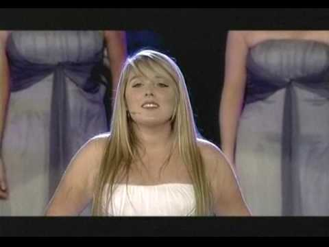 Chloe Agnew Sings ''the Prayer'' video