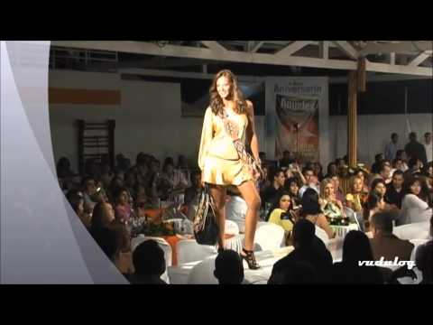 Laura Acuña Pezones Fashion