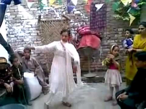 Bannu Girl Home Dance With Pashto Music